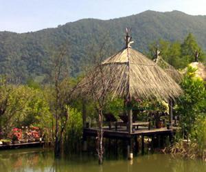 Salak Phet Village